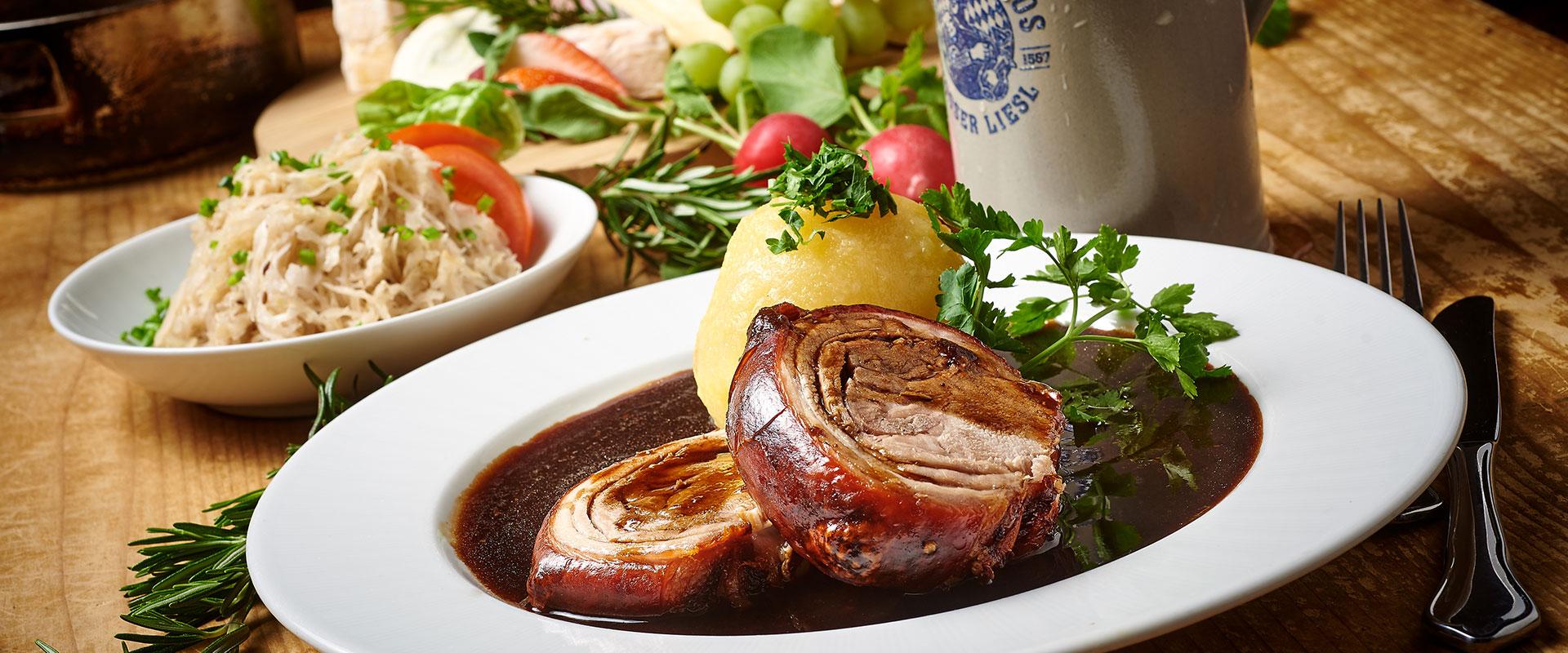 Deftige Hausmannskost in Ihrem Restaurant Gäubodenhof