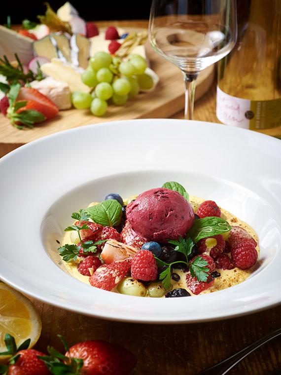 Erfrischendes Dessert in Ihrem Restaurant Gäubodenhof in Straubing